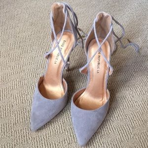 Pointed Suede Heel with Ankle Ties